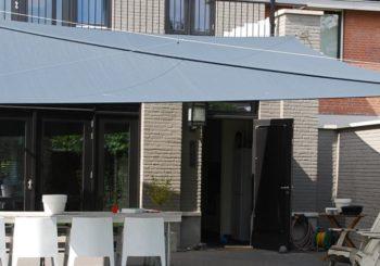 Soliday oprolbaar terrasdoek-zonnezeil